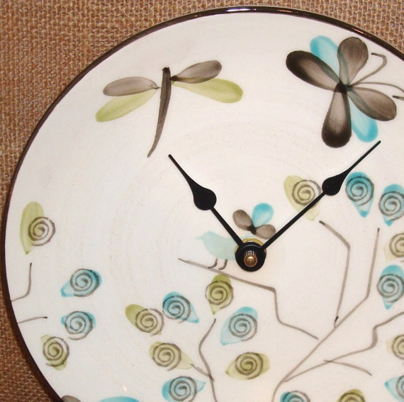 Wall Clock -  Whimsical Owl, Dragonfly, Butterfly, Bird Ceramic Plate Wall Clock No. 927 (8-1/4 inches)