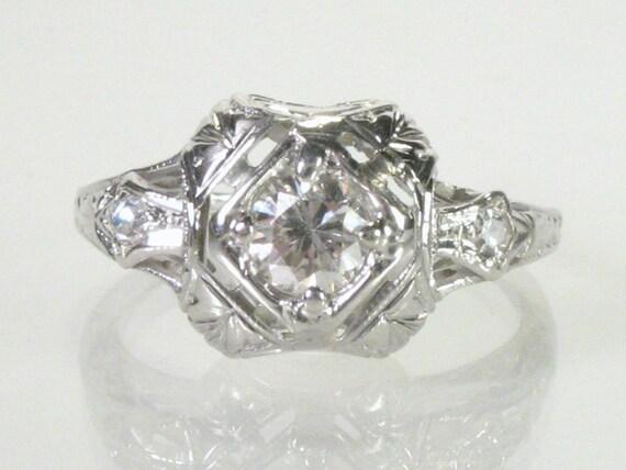 Fine Antique Diamond Engagement Ring - 18K Gold
