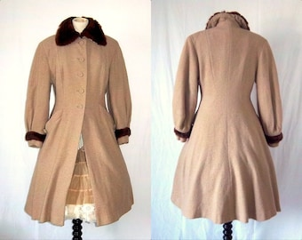"""1940s 1950s  """"New Look"""" Women Coat - Tan - Wasp Waist - Nubby Wool - Fur Trim - Botany Bolaire - 8 10"""