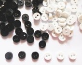 100 pcs - Black and White Tiny Button -  Size 6 mm for sewing project