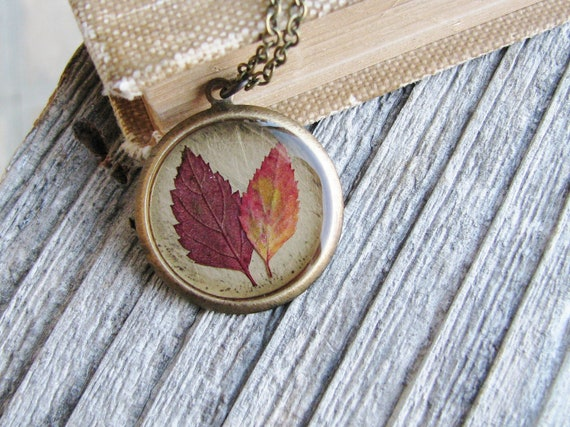 Pressed Leaf Necklace Botanical Jewelry Pressed Spirea Plant Leaves Resin Fall Foliage Antique Brass Chain