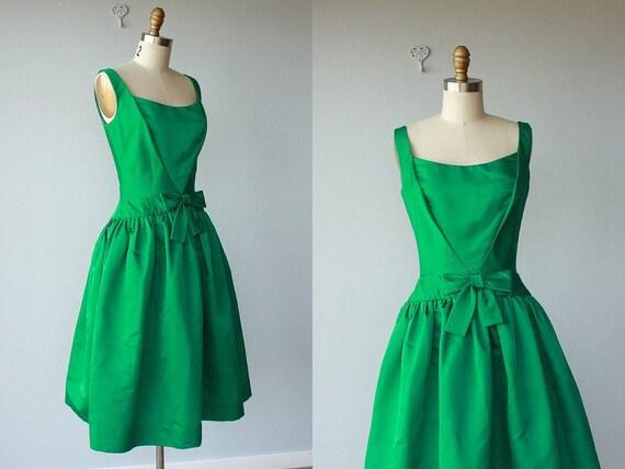 RESERVED / vintage 50s dress / 1950s party dress / cocktail dress / emerald green silk taffeta dress / I. Magnin - size small