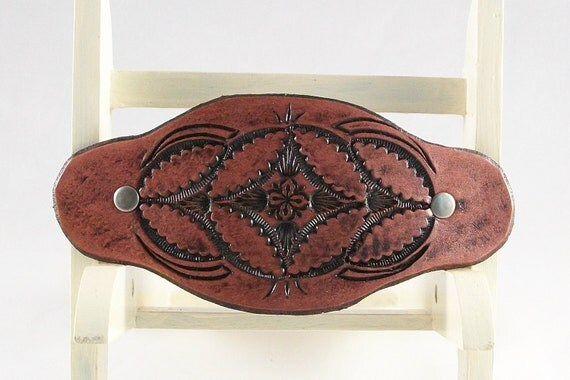 Spaceflower leather clip barrette