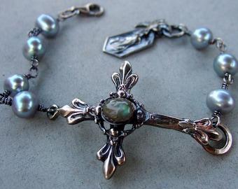 Labradorite And Grey Pearl French Cross Bracelet