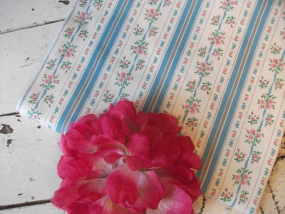 Vintage Fabric - Shabby Roses - 1 Yard