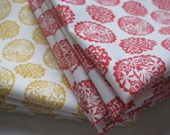 Cloth Napkins - Nature Circles - Red or Yellow - 100% Cotton Napkins
