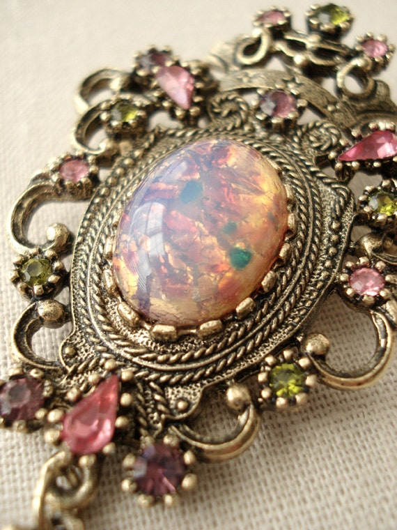 Vintage Contessa Sarah Coventry Faux Opal Pin Pendant