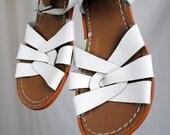 Vintage Surfer Salt Water White Sandals - Size 9