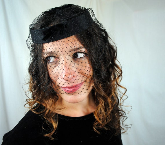 Vintage 60s Black Fascinator with Bow and Netting