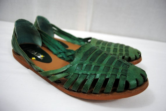 Cute Vintage Green Woven Huaraches Sandals - Size 9