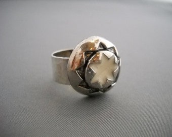 Vintage button ring with silver band
