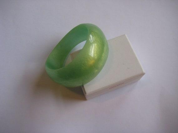 resin bangle. lime green. pearl. large size. handmade by whizzbangle. big bold bangle.