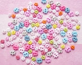 100 pcs. of Tiny Miniature Flower Buttons  / 4mm-6mm / Set PL