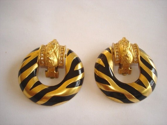 Vintage Jewelry Signed Eliz Taylor Avon Gold Tone Clip Earrings