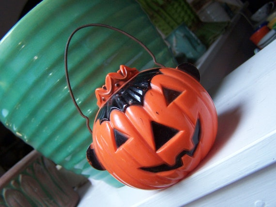 Jack-O'-lantern Vintage candy container by Rosbro