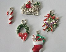 5 Enamel CHRISTMAS CHARMS Assortment of charms Christmas theme