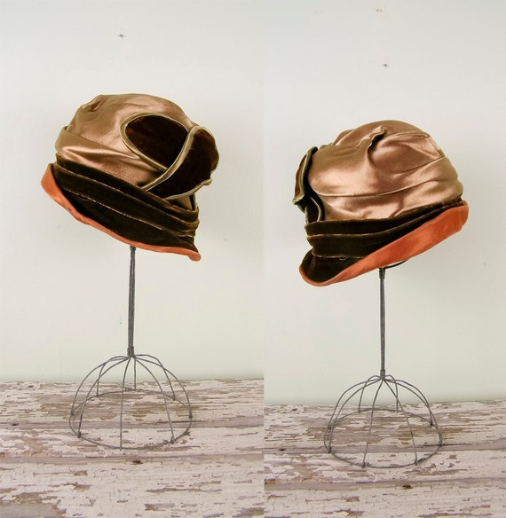 R E S E R V E D / Vintage 1910s Hat / Edwardian Cloche /  Velvet and Satin