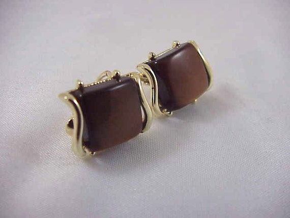 Vintage Mid Century   Brown Lucite Gold Tone  Square clip earrings