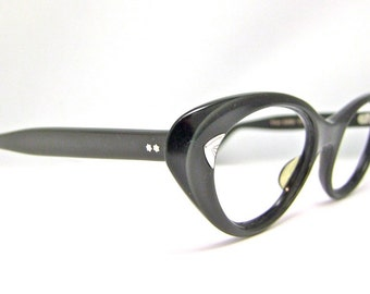 1950s Cat Eye Eyeglasses // 50s Vintage Frames // Oval Black and Pale Opalescent // American Opticals#A10