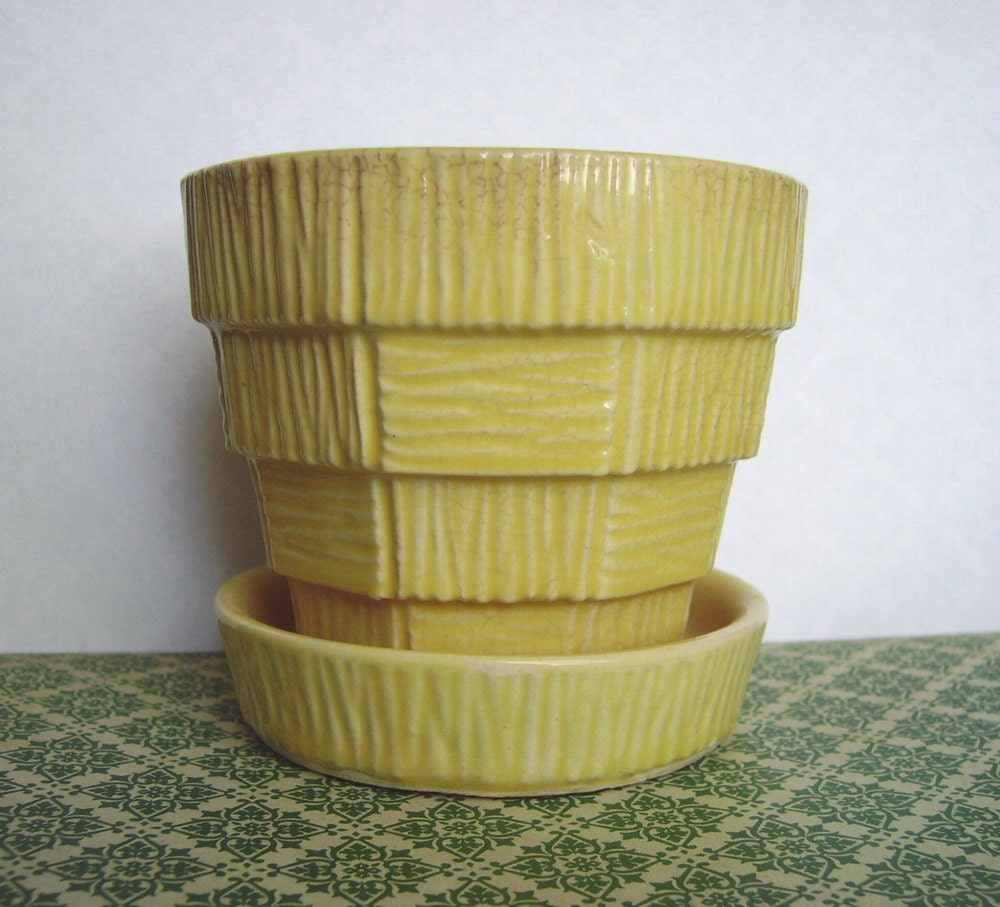 Yellow Vintage McCoy Planter Flower Pot With Attached Saucer