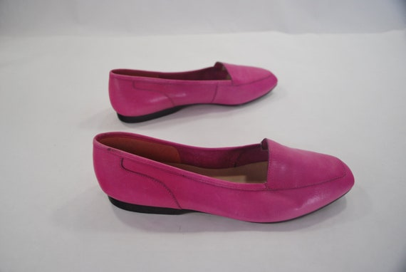 Pinker than Pepto .vintage vibrant leather skimmer flats .Enzo Angiolini and made in Brazil -womens size 6.5-