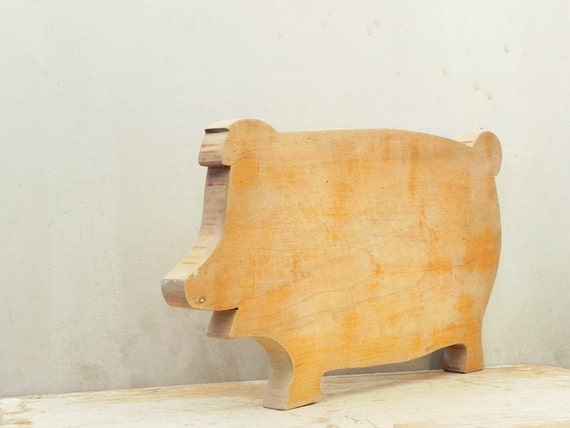 little pig vintage wood cutting board