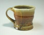 Gold mug (IV12)