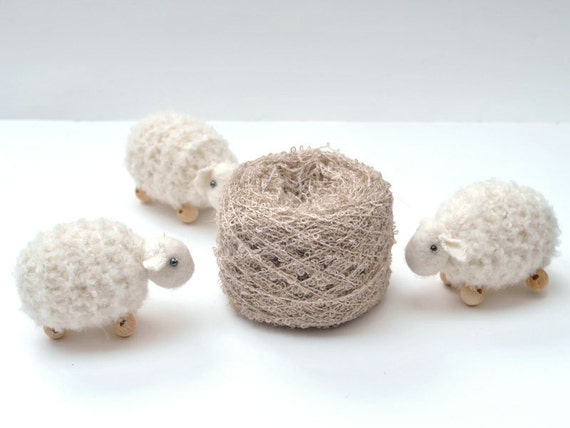 beige boucle alpaca Yarn natural. 1 oz -  perfect for doll hair, crochet animal and knitting.