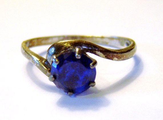 vintage silver tone blue size 7 and a half ring