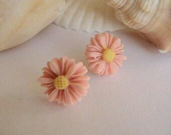 Peach Daisy Earrings, Peach Flower Earrings, Peach Earrings, Daisy, Daisies, Mums, Orange