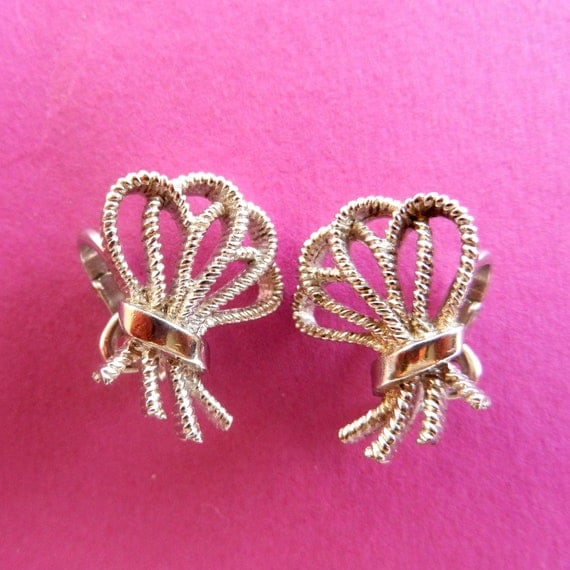 Wedding 1950s vintage Crown Trifari copyright silverTrifanium earrings ,wonderful stylized bow byTimeless sophisticated elegance-Art.118/ 2-