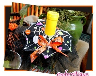 ITH Wine Bottle Spider Web Accent - Halloween - Perfect Hostess Gift- Instant Download -Digital Machine Embroidery Design