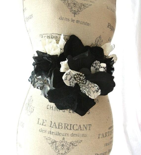 Black fall sash, country chic lace belt, shabby rose obi, autuamn accessories, womens clothing, belt, romantic