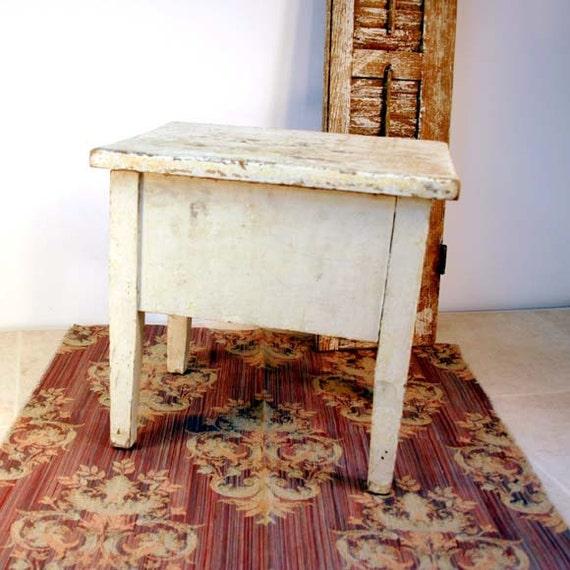 Vintage Storage Box / Shoe Shine Box / Small End Table