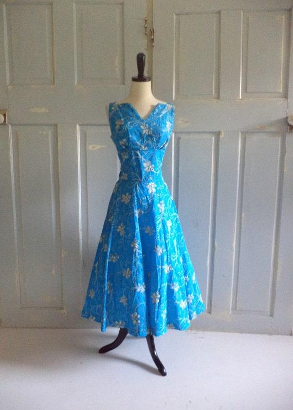 Vintage1950s Dress Turquoise Taffeta Embroidered Sleeveless Cocktail Dress Womens Size Medium