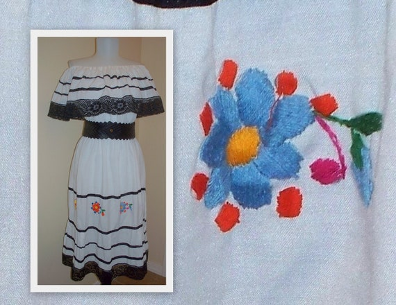 VINTage 70 Gypsy off shoulder white summer dress with embroidery