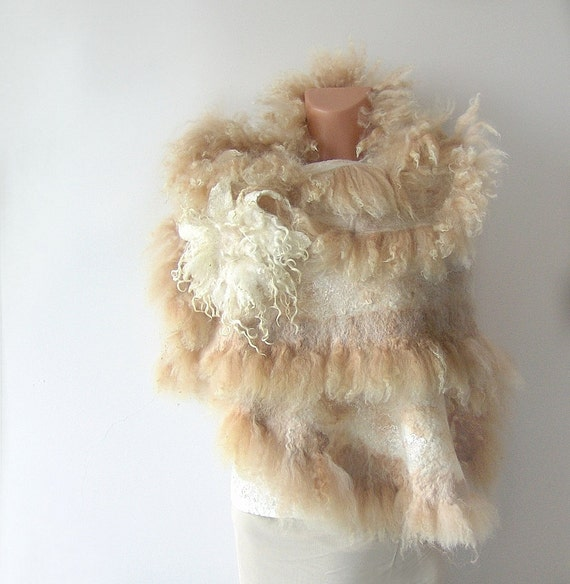 Felted scarf Fur  Wedding   wrap White beige gift brooch cape