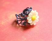 Flower ring - adjustable