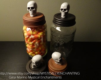 HALLOWEEN Mason Jar Lid with skull or Rat - rust or black