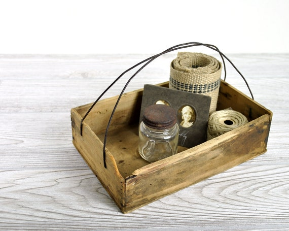 Vintage Rustic Wood and Wire Box / Industrial Decor