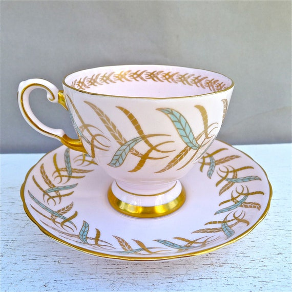 Vintage Tuscan Pink Lovely Leaf Design Tea Cup and Saucer