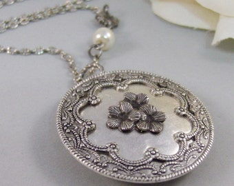 Victorian Blossoms,Silver Locket,Flower,Blossom,Bloom,Antiqued,Bride,Silver Locket,Antique Locket.Handmade Jewelery by Valleygirldesigns.