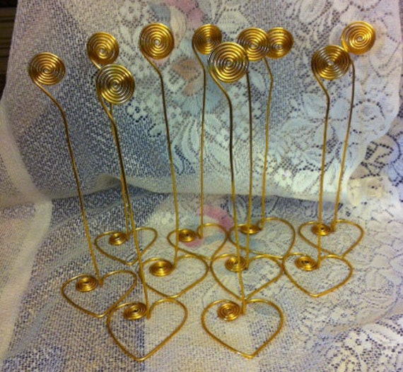 LoOK ..Circles In MoTiOn Set Of 20 Gold Wire  Place Card Holders With Heart Bases For Weddings Parties Celebrations