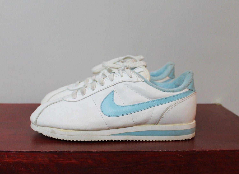 Cloth Tennis Shoes