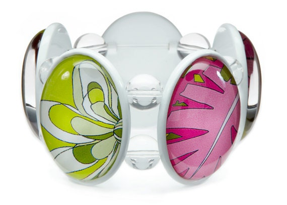 SALE - Capri White Five-Cameo Stretch Bracelet