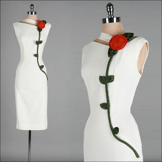 Vintage 1950s Dress . White Ivory Linen . Rose . Wiggle . M . 2065