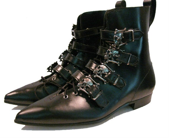 Vintage 1980s Men's English Leather Pointed Toe Skull Buckle Boots Mens US size 7 / Womens US size 9