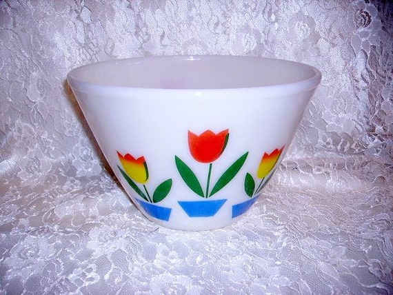 Vintage 1940's Fire-King Tulip Mixing Bowl