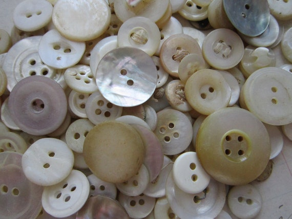 135 shell and MOP buttons - mostly vintage and antique - lot 135A