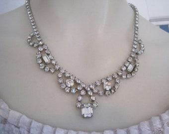 Vintage Weiss Rhinestone  Drop Necklace Bride Bridal Wedding